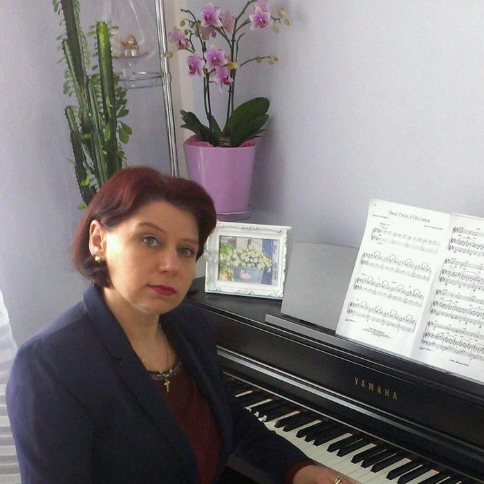 Ingrid Martens Klavierlehrer und Keyboardlehrer