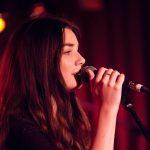 Gesangslehrerin Robin Whittaker